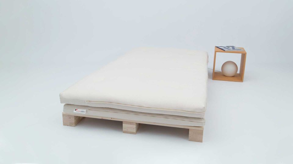 Bed pallet (3 pcs.) with twin futon and bedside table