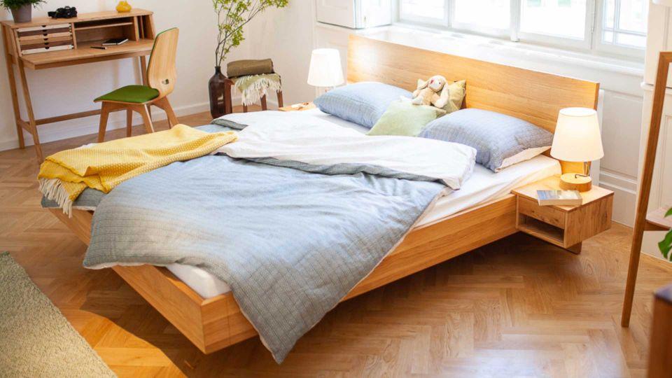 Anna Wood bed in oak wood.