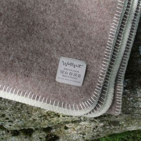 The local ... woolen blanket beige / wool white